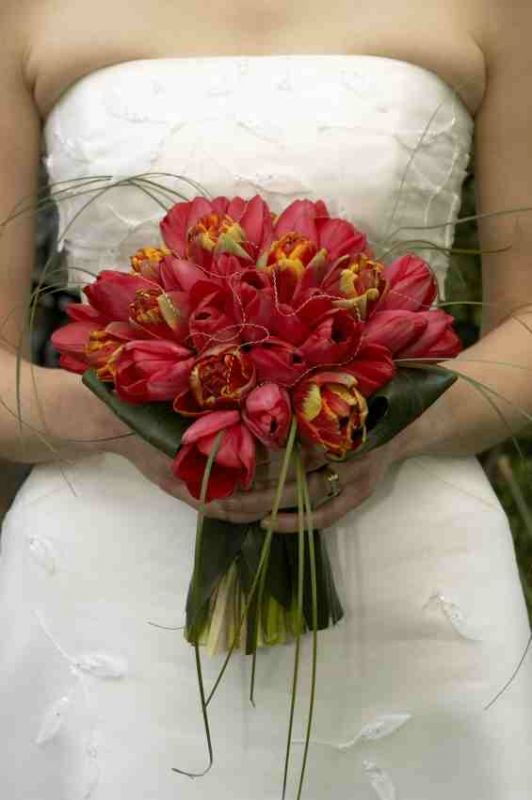 tulip Red black turquoise wedding bridesmaids bouquets red turquoise