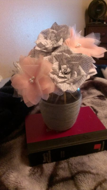 diy book flowers centerpieces
