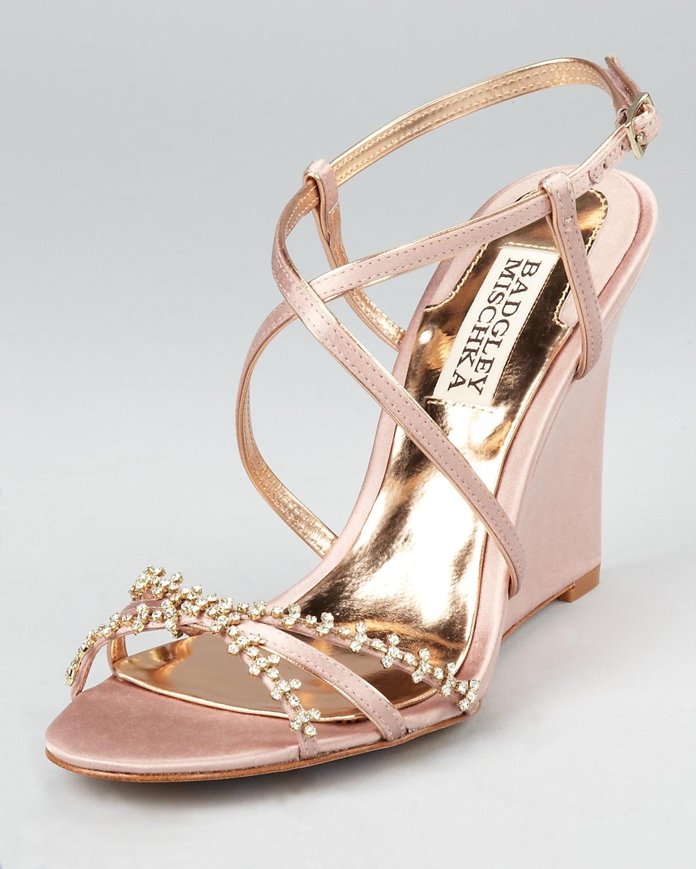 outdoor wedding shoes | Bridal wear | Pinterest