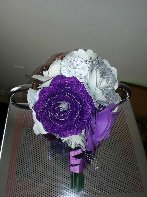 I made 2 bouquets and now I don't know which I want to  carry! pic heavy
