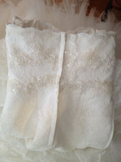 BOUGHT A WEDDING DRESS OFF DHGATE.COM & It is BEAUTIFUL! Pics inside!