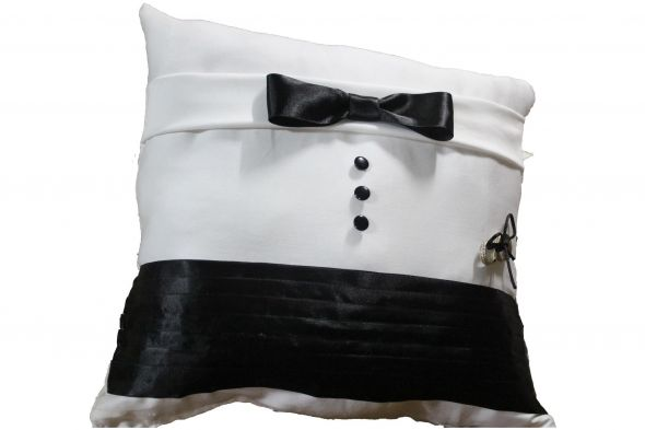 My DIY ringbearer pillow