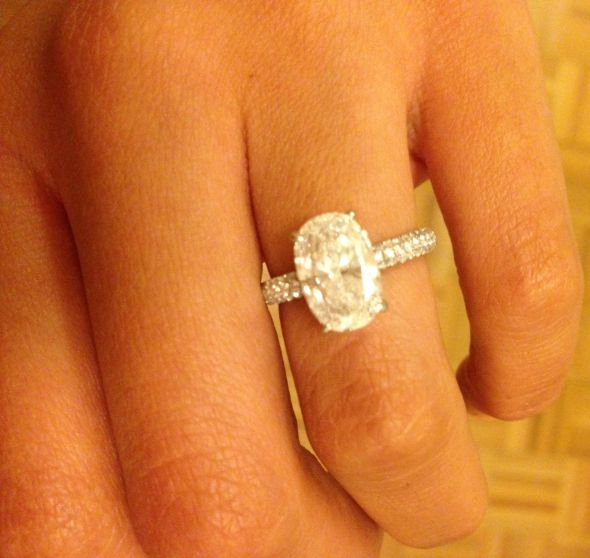 Help me find a wedding band for my Oval Diamond E Ring Lots of