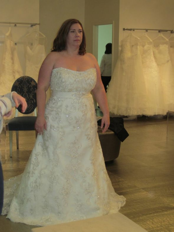 Dress regret plus size bride pic heavy for Wedding dresses for heavy ladies