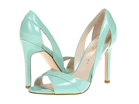 Which mint green shoes?!