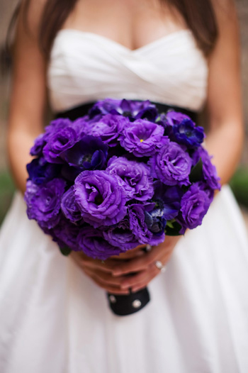 Inspiration for Purple bouquets wedding Lisianthus