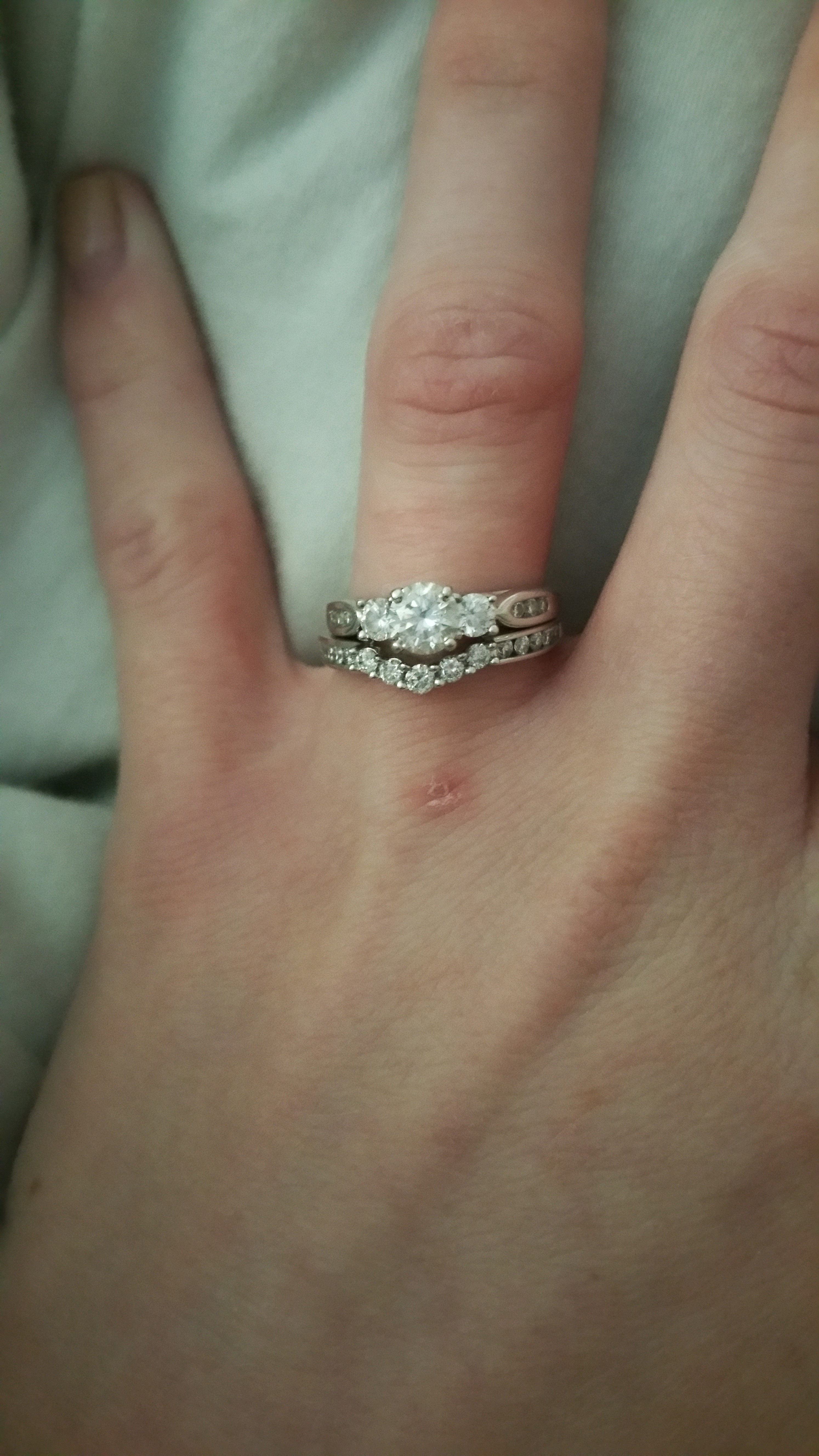 Show me your 3stone engagement rings with your wedding band