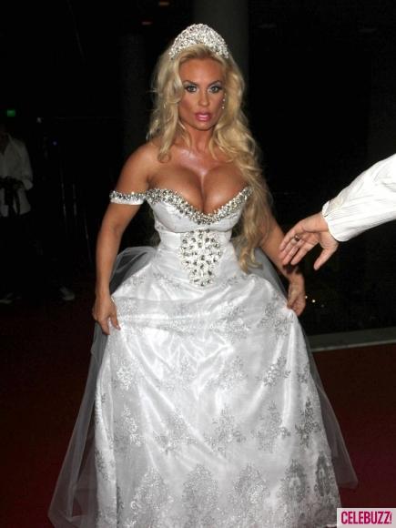 cleavage in my wedding dress weddingbee page 2