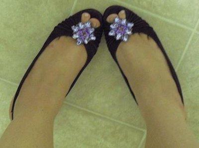 Source url: http://bios.weddingbee.com/topic/miss-rainbows-shoes