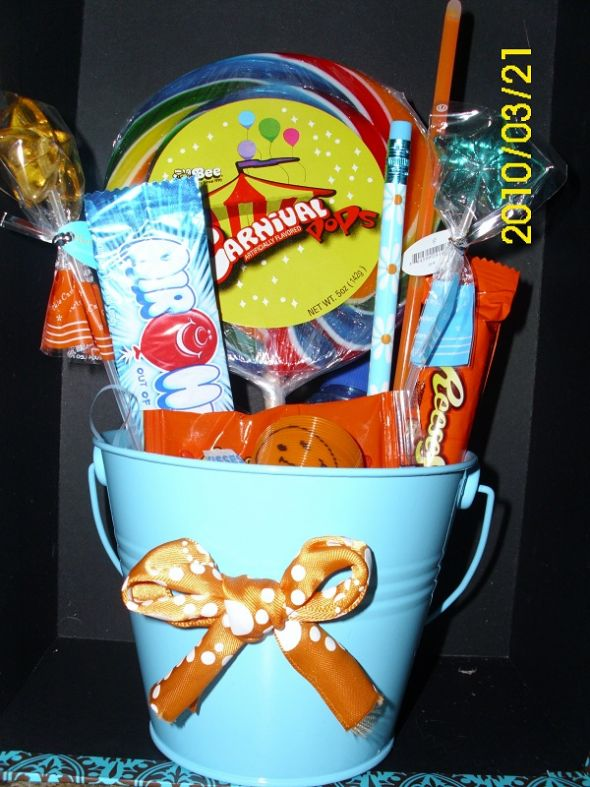 Kids Table Centerpieces help wedding kids centerpieces Candy Bucket