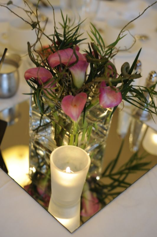 Post you round reception table centrepieces - Weddingbee