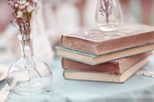 Vintage Books!!! :  wedding Vintage Books Wedding Table Ideas 500x333