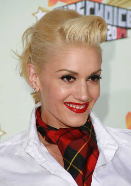 Vintage styles for long, curly hair? : wedding Gwen Stefani Blonde Updo
