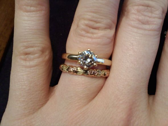 Solitare Engagement ring size question wedding ring damage ringsize