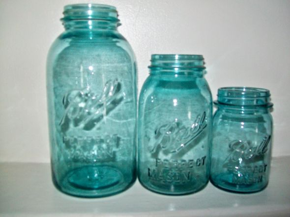 ANTIQUE BLUE BALL CANNING JARS FOR WEDDING CENTERPIECES