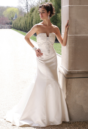 Camille La Vie Wedding Gown 400 posted 10 months ago in Wedding Dress