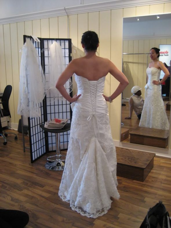 Wedding Decoration: Wedding Dress Train Bustle