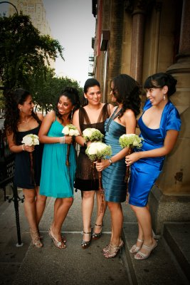 how to include friends who aren t bridesmaids