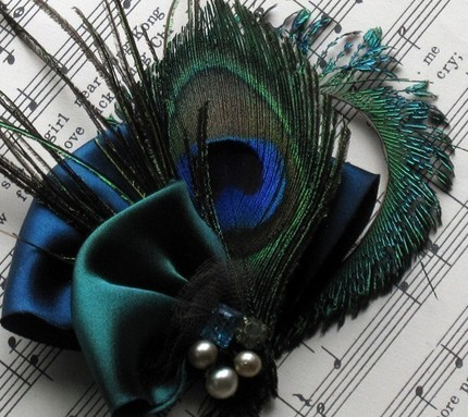 Tips on DIY Feather Bouquet wedding peacock feather turquoise teal