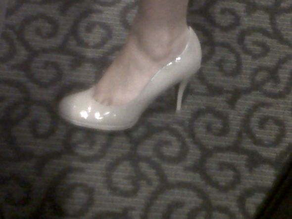 wedding nude blush heels pumps shoes Tahari 1 year ago