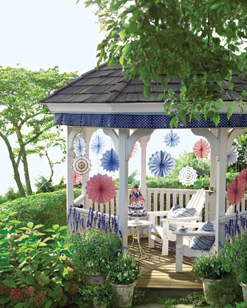 Wedding gazebo decorating ideas romantic decoration for Outdoor wedding gazebo decorating ideas