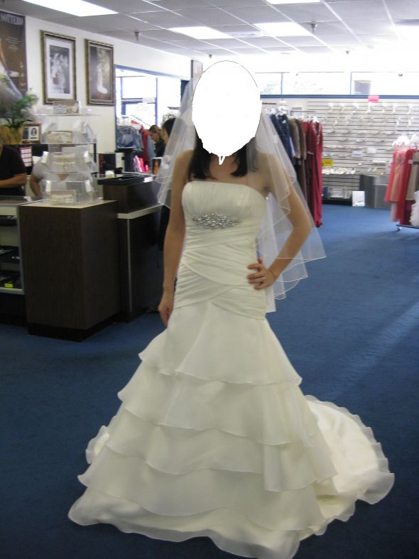 Aire Barcelona Brides wedding Dress 1 2 years ago