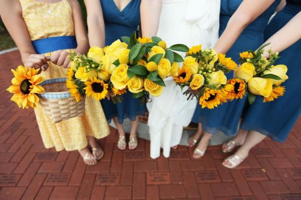 My DIY Sunflower Bouquet wedding sunflowers billy buttons diy gold yellow