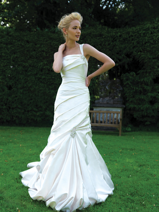 My Wedding Dress: Allure #8708 :  wedding wedding dress white allure dress 8708 AD2