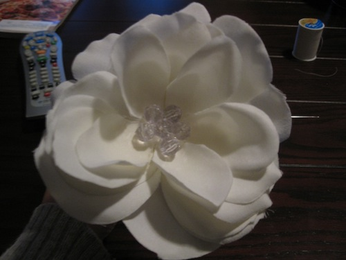 Flower Girl Headband :  wedding flower girl flower headband white flowers diy IMG 2658