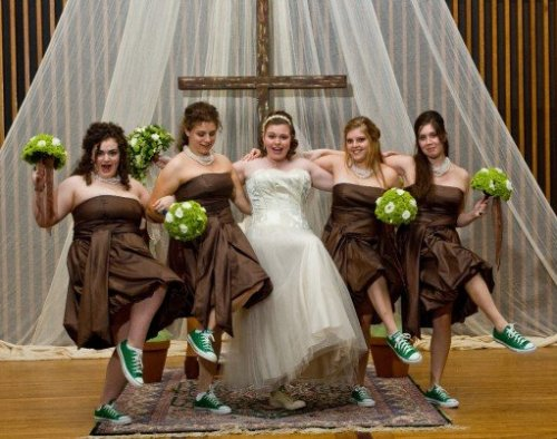 All Stars for the Bride :  wedding sneakers reception Green Converse Bridesmaids