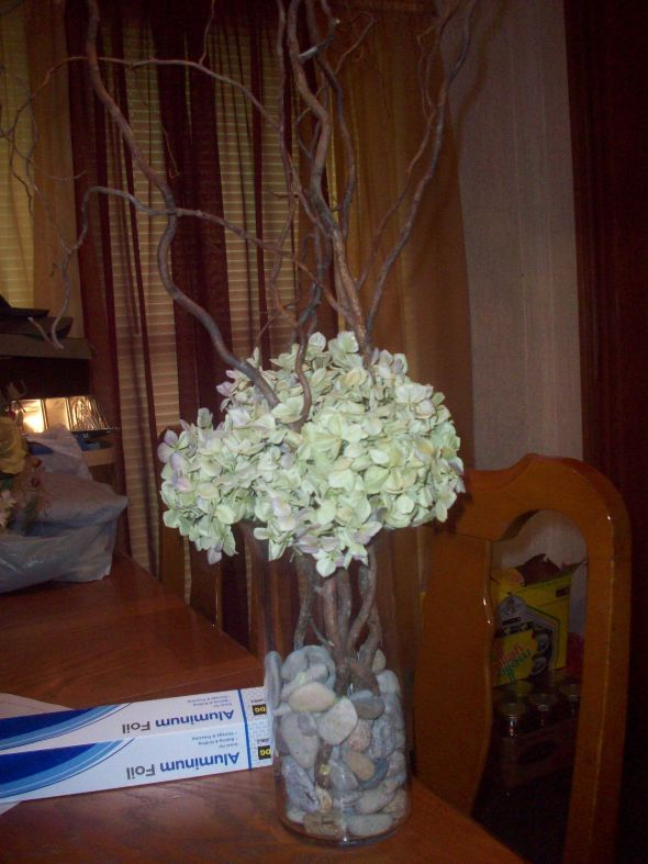 Hydrangea and curly willow centerpieces wedding brown green ivory 104 0488
