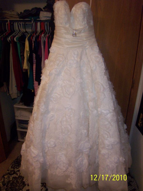 Allure brides! Show off your dresses! :) :  wedding 104 7534