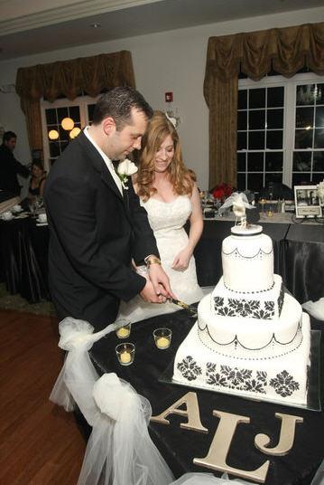 Black and White Damask Cake wedding cake damask cake topper Ajcutcake2