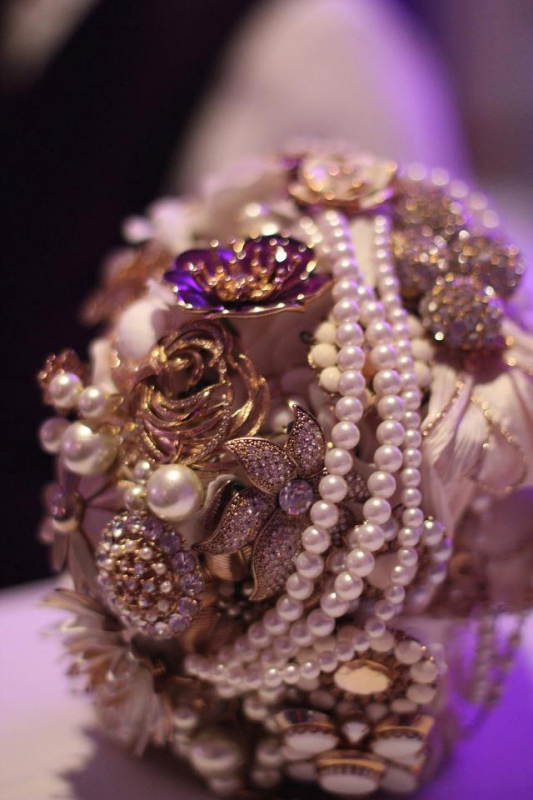 Brooch Bouquet! :  wedding bouquet brooch bouquet 1 diy flowers gold ivory white 2a