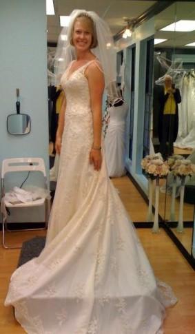 Wedding Dresses  Diego on Assignment   Wedding Consignment Demetrio Dress San Diego