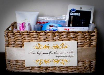 Cestas de aseo bodas beauty kit boda wedding planner for Wedding reception bathroom ideas
