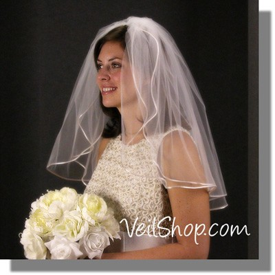 Good wedding hairstyles for plus size brides wedding Shoulderveil