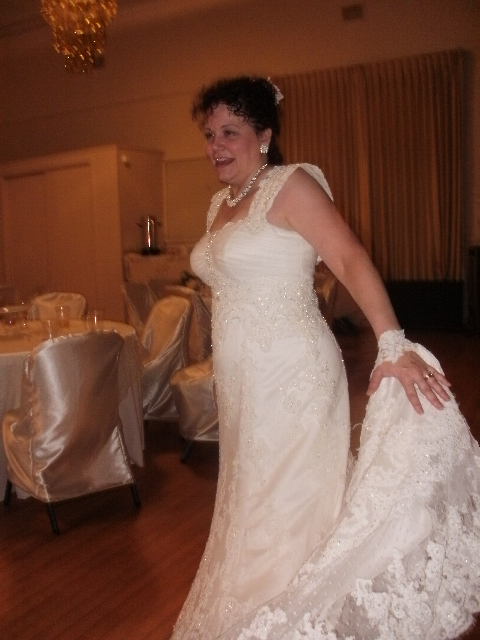 Adding straps to a strapless dress weddingbee for Adding straps to wedding dress