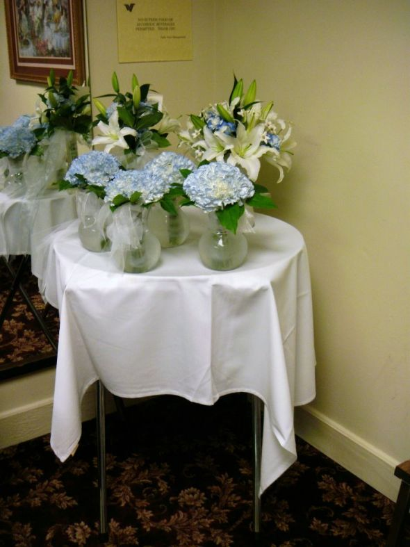 Average Cost Of Wedding Flowers And Decorations : Darcee s in the traditional five flavors found