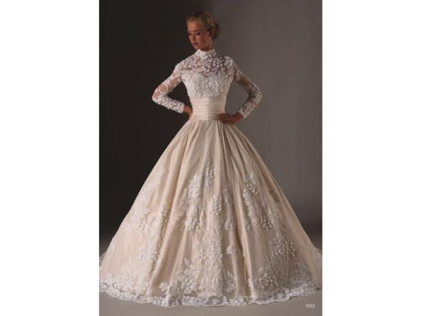 Huge Wedding Ball Gowns: I Am So In Love With BIG POOFY BALL GOWNS.. SHOW ME YOURS