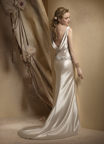 Did you have an all-satin or all-silk wedding dress? Please post it!