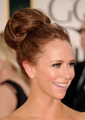 High Bun hairstyle pics wedding Jennifer Love Hewitt Updo Bun Hairstyle