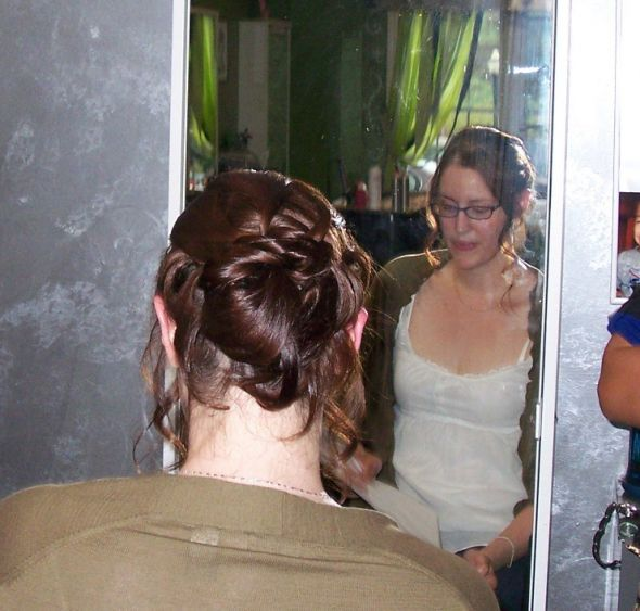 Wedding Hairstyle Appropriate for Brides with Thin Hair