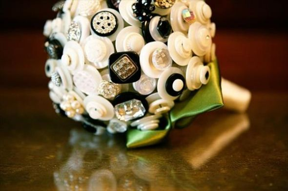 wedding brooch bouquet flowers diy Button