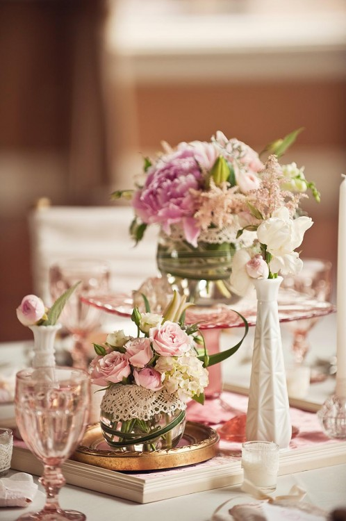 Vintage wedding table decorations romantic decoration for Floral wedding decorations ideas