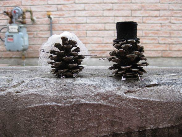 Pine Cone Bride & Groom Cake Topper